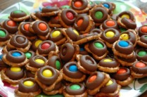 M&M Pretzel Treats