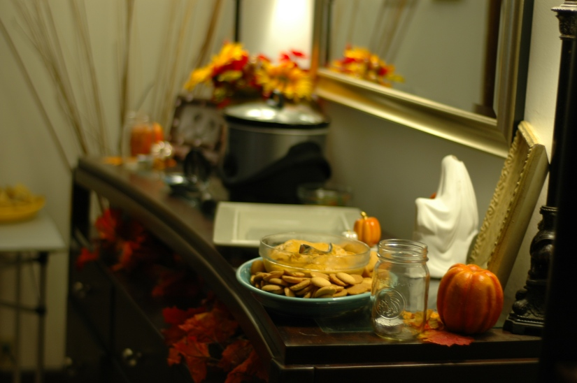 A little pre-party shot when just the pumpkin dip was ready to go :)